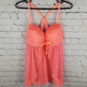 LA SENZA   floral lace ruffle front close chemise